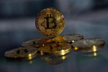 Bitcoin 5000 doları aştı