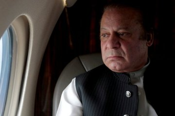 Pakistan'da eski Başbakan Şerif, kızı ve damadına yolsuzluktan hapis cezası