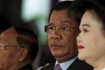 Kamboçya'da 33 yıldır yönetiyor, seçimleri tekrar kazandı