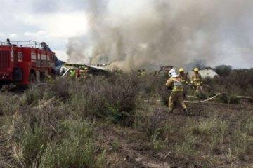 Meksika'da 101 kişiyi taşıyan uçak düştü