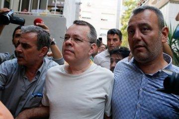 ABD Türkiye ile anlaştı, Brunson yarın serbest bırakılacak