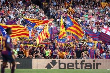 Barcelona 1 milyar dolar gelir sınırını aşan ilk spor kulübü oldu
