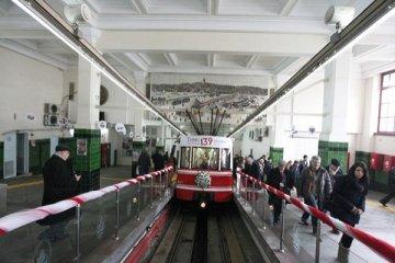 Tarihi Karaköy-Beyoğlu Tüneli kapanıyor