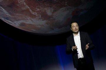 Elon Musk Mars'a taşınmayı düşündüğünü açıkladı