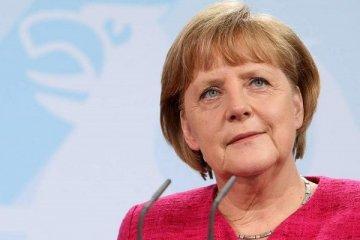 """Merkel'den """"tarımda dijitalleşme"""" uyarısı"""