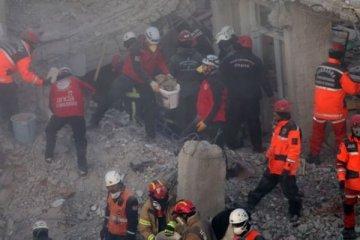 Depremde hayatını kaybedenlerin sayısı 35'e yükseldi
