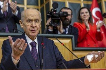 Bahçeli, CHP'ye karşı yasal düzenleme istedi