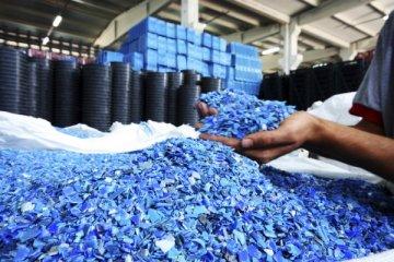 Plastik işleme makinelerinde üretim de yatırım da düştü