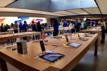 Apple İstanbul'daki mağazalarını açtı