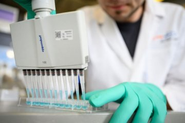 Yeni virüs daha bulaşıcı ve aşıya karşı dirençli