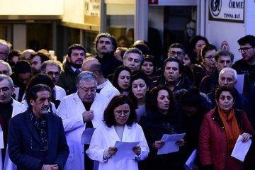 Sağlık çalışanları topluca istifa ediyor, intihar oranları artıyor