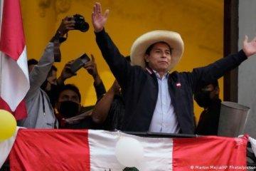 Peru'da Castillo, Devlet Başkanı olarak yemin etti