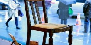 O sandalye 394 bin dolara satıldı