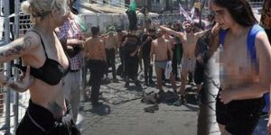 1 Mayıs'ta çıplak protesto