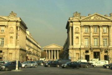 Fransa, Euro Bölgesi'ne maliye bakanlığı istiyor
