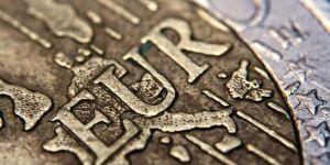 Euro son 22 ayın en düşüğünde