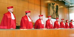 Alman yargısından ECB'ye fren