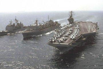 ABD savaş gemileri Katar'da!